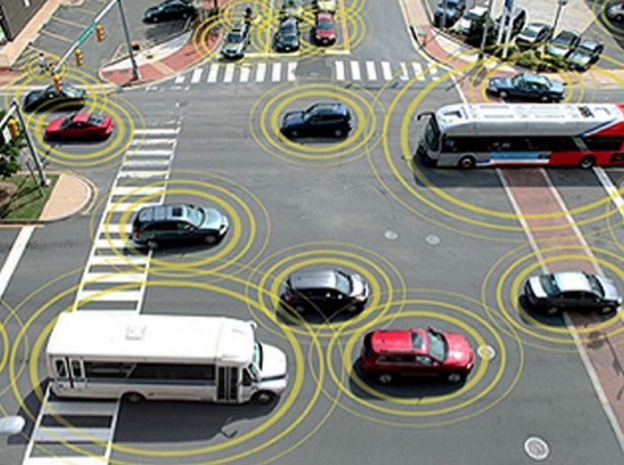 L'auto a guida autonoma in Italia è un sogno lontano - Foto 2 di 10