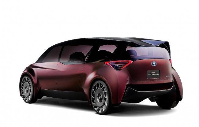 Auto a idrogeno, arriva la Fine-Comfort Ride di Toyota - Foto 3 di 15
