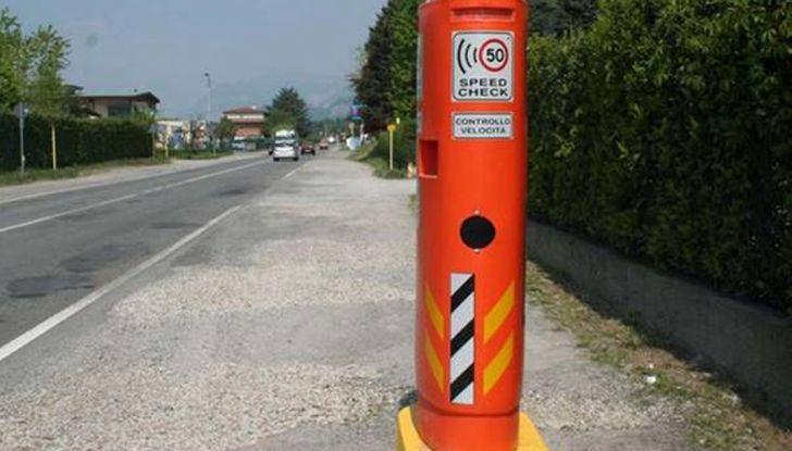 Autovelox, la multa non è valida se la strada è senza banchina - Foto 3 di 7