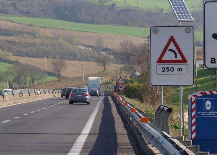 Autovelox, la multa non è valida se la strada è senza banchina - Foto 7 di 7