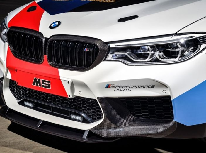 La nuova BMW M5 xDrive è Safety Car della MotoGP 2018 - Foto 3 di 16