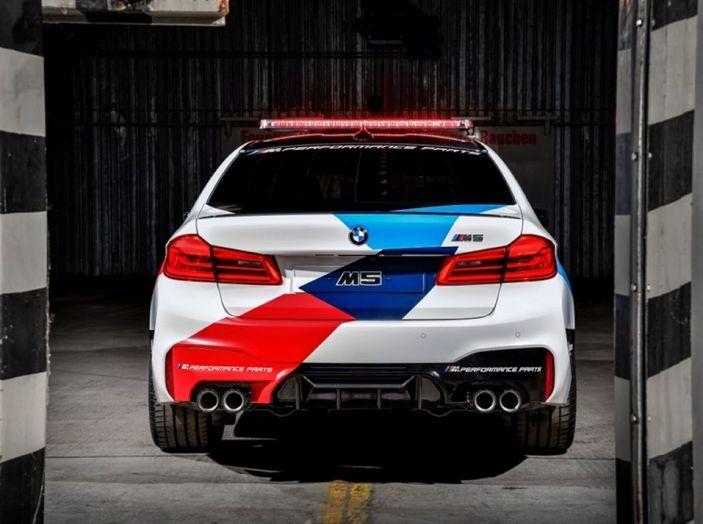 La nuova BMW M5 xDrive è Safety Car della MotoGP 2018 - Foto 10 di 16