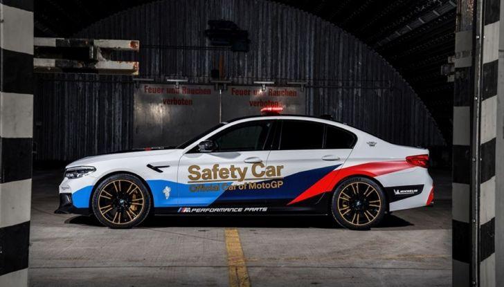 La nuova BMW M5 xDrive è Safety Car della MotoGP 2018 - Foto 11 di 16
