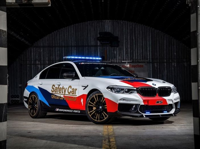La nuova BMW M5 xDrive è Safety Car della MotoGP 2018 - Foto 1 di 16