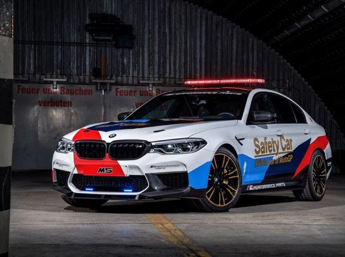 La nuova BMW M5 xDrive è Safety Car della MotoGP 2018 - Foto 2 di 16