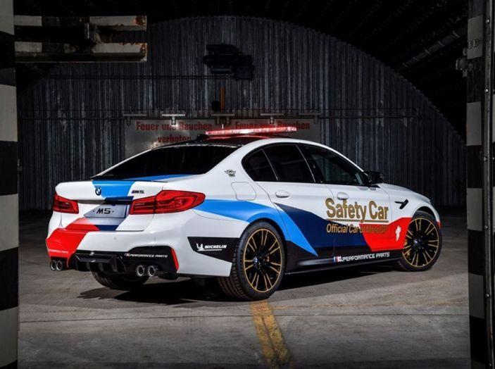 La nuova BMW M5 xDrive è Safety Car della MotoGP 2018 - Foto 7 di 16
