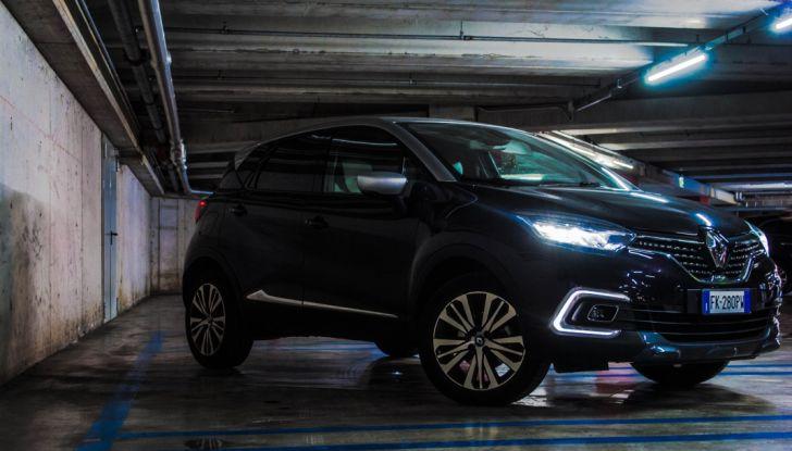 Prova su strada Renault Captur 2017: il crossover agile e spigliato - Foto 3 di 37