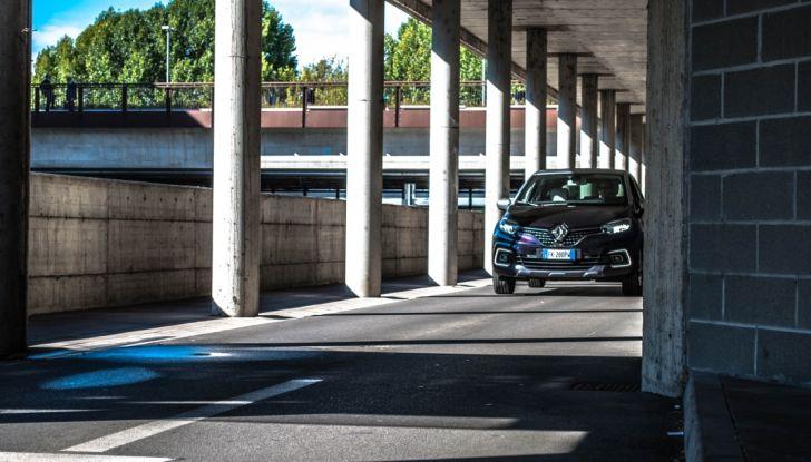 Prova su strada Renault Captur 2017: il crossover agile e spigliato - Foto 12 di 37