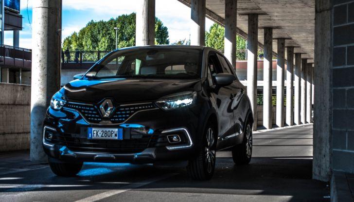 Prova su strada Renault Captur 2017: il crossover agile e spigliato - Foto 11 di 37