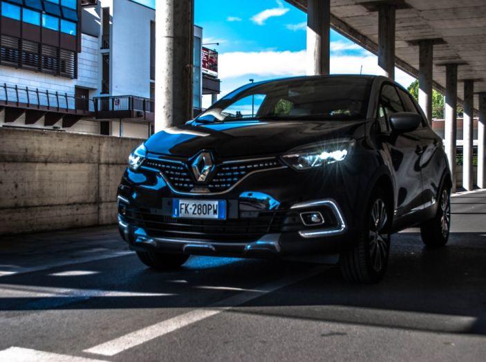 Prova su strada Renault Captur 2017: il crossover agile e spigliato - Foto 1 di 37