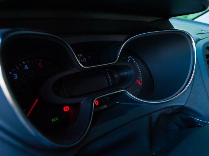Prova su strada Renault Captur 2017: il crossover agile e spigliato - Foto 15 di 37