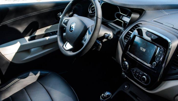 Prova su strada Renault Captur 2017: il crossover agile e spigliato - Foto 21 di 37