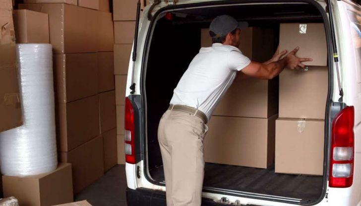 Furgoni e consegna merci, traffico in aumento a causa dell'e-commerce - Foto 3 di 9