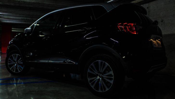 Prova su strada Renault Captur 2017: il crossover agile e spigliato - Foto 32 di 37