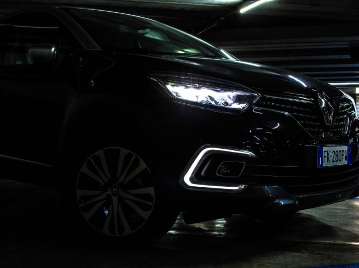 Prova su strada Renault Captur 2017: il crossover agile e spigliato - Foto 24 di 37