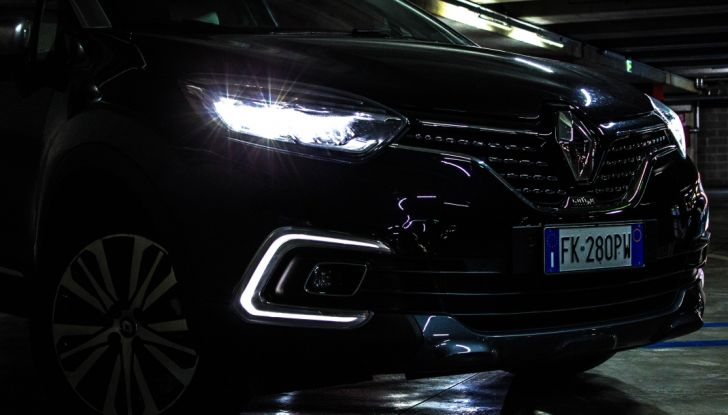 Prova su strada Renault Captur 2017: il crossover agile e spigliato - Foto 6 di 37