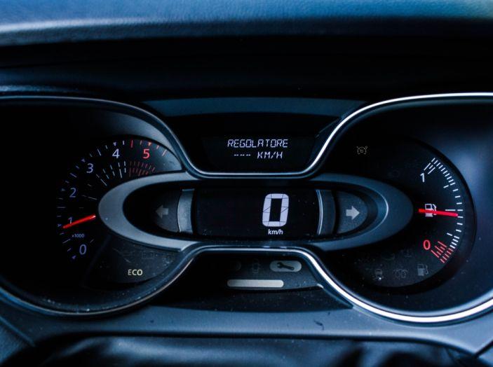 Prova su strada Renault Captur 2017: il crossover agile e spigliato - Foto 33 di 37