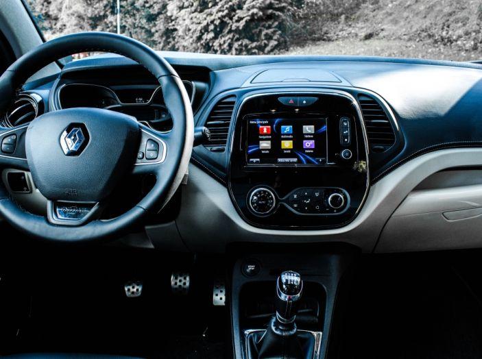 Prova su strada Renault Captur 2017: il crossover agile e spigliato - Foto 14 di 37