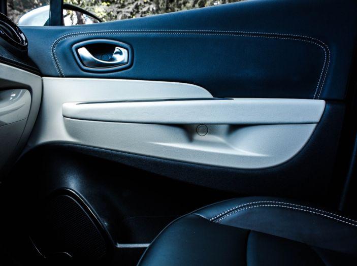 Prova su strada Renault Captur 2017: il crossover agile e spigliato - Foto 37 di 37