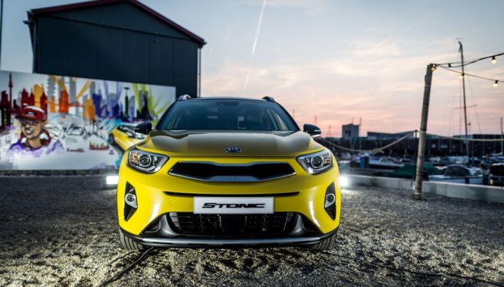 Kia Stonic: prova su strada, dotazioni e prezzi del crossover compatto - Foto 3 di 11
