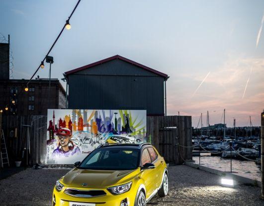 Kia Stonic: prova su strada, dotazioni e prezzi del crossover compatto - Foto 4 di 11