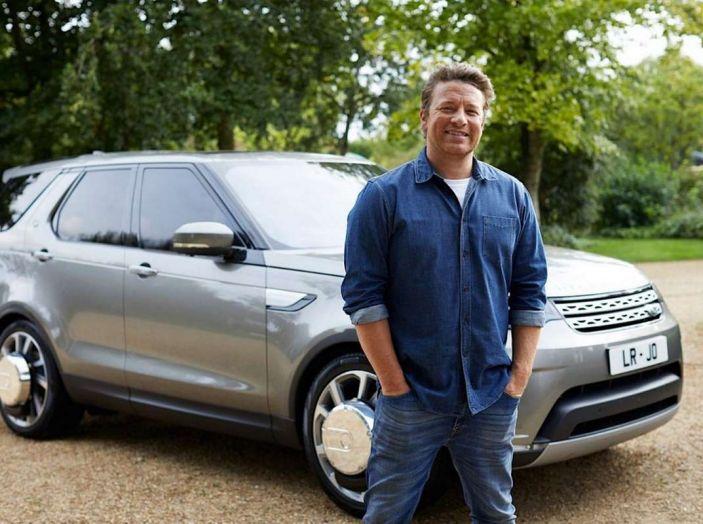 La Land Rover Discovery di Jamie Oliver è una cucina a 4 ruote - Foto 6 di 6