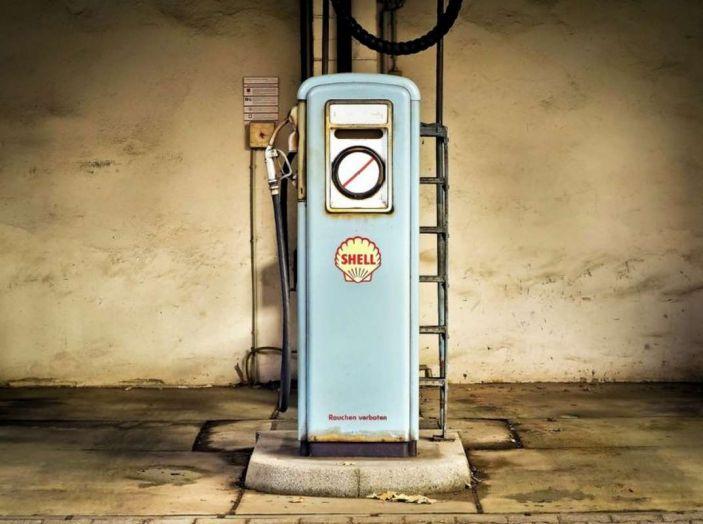 L'auto elettrica si potrà presto caricare al distributore di benzina - Foto 9 di 10