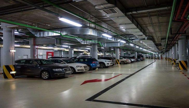 Assistente al parcheggio auto, 20 anni di innovazione Volkswagen - Foto 3 di 11