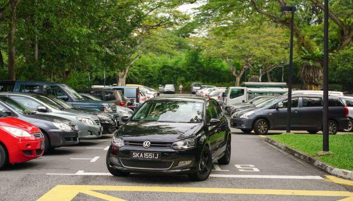 Assistente al parcheggio auto, 20 anni di innovazione Volkswagen - Foto 2 di 11