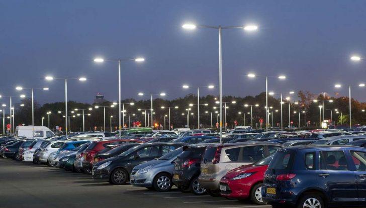 Assistente al parcheggio auto, 20 anni di innovazione Volkswagen - Foto 4 di 11
