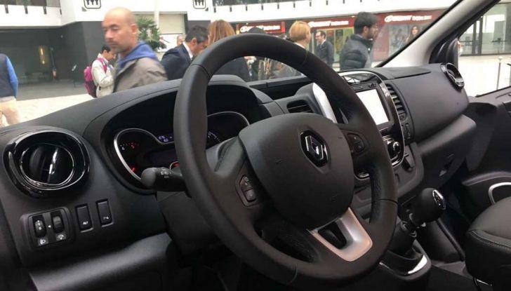 Mazda rende fashion la sua crossover CX-3 grazie a Pollini - Foto 22 di 26