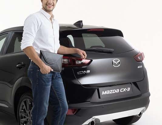 Mazda rende fashion la sua crossover CX-3 grazie a Pollini - Foto 10 di 26