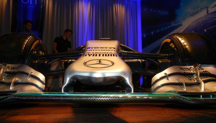 Nuova Mercedes Classe E Cabrio: Prova su strada, caratteristiche e prezzo - Foto 10 di 29