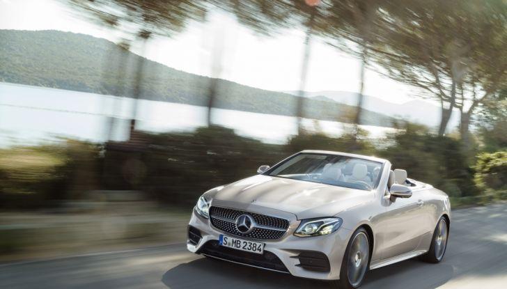 Nuova Mercedes Classe E Cabrio: Prova su strada, caratteristiche e prezzo - Foto 1 di 29