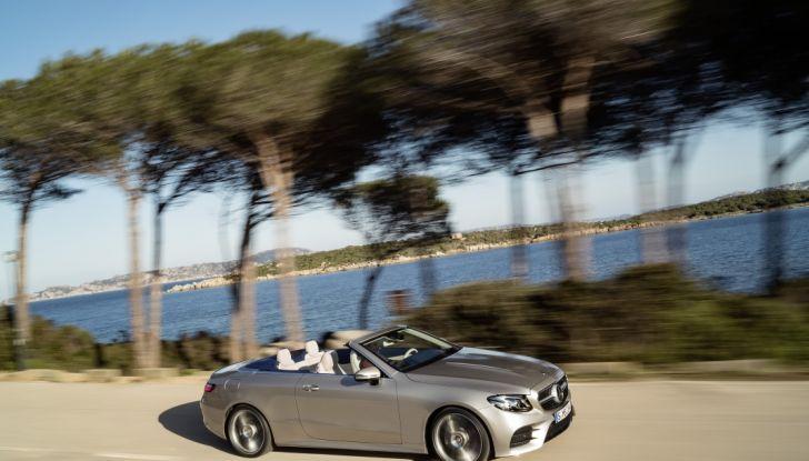 Nuova Mercedes Classe E Cabrio: Prova su strada, caratteristiche e prezzo - Foto 16 di 29
