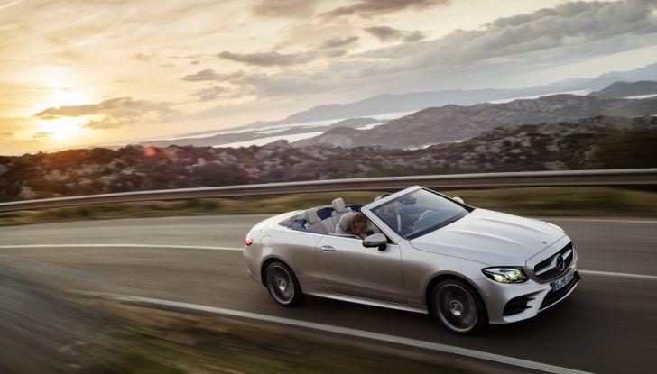Nuova Mercedes Classe E Cabrio: Prova su strada, caratteristiche e prezzo - Foto 17 di 29