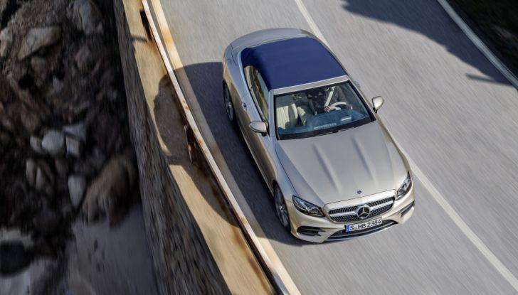 Nuova Mercedes Classe E Cabrio: Prova su strada, caratteristiche e prezzo - Foto 19 di 29