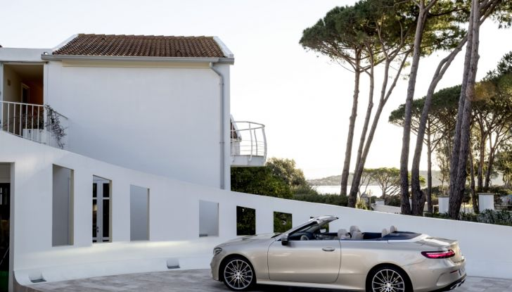 Nuova Mercedes Classe E Cabrio: Prova su strada, caratteristiche e prezzo - Foto 22 di 29