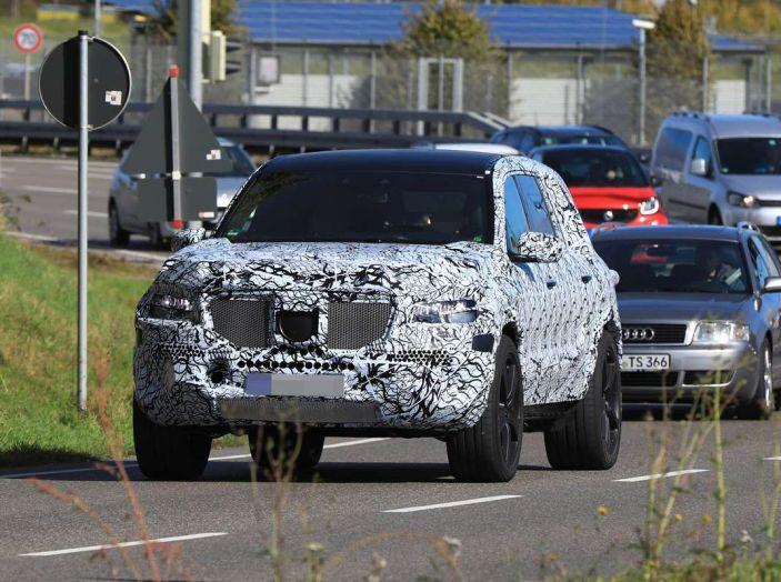 Mercedes GLS 2019, nuove immagini spia del maxi SUV - Foto 22 di 27