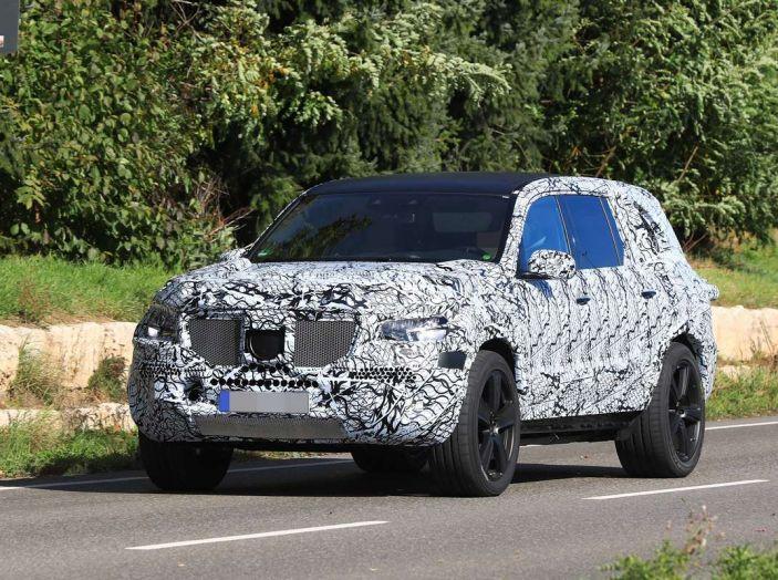 Mercedes GLS 2019, nuove immagini spia del maxi SUV - Foto 11 di 27