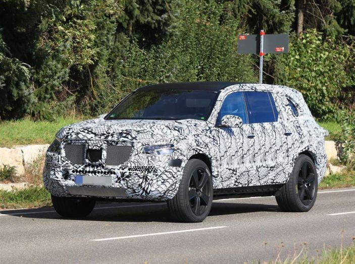 Mercedes GLS 2019, nuove immagini spia del maxi SUV - Foto 25 di 27