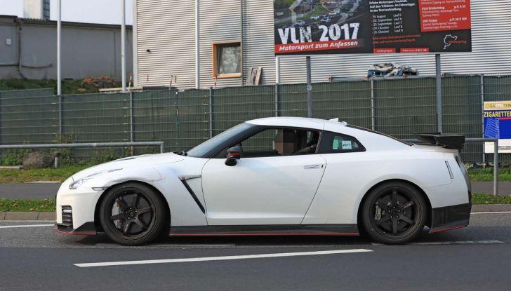 Nissan GT-R Nismo MY 2018, collaudi e ultimi test su pista - Foto 22 di 23