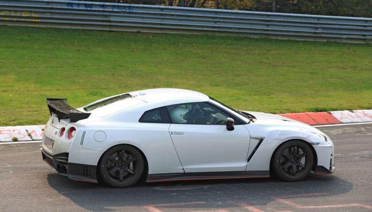 Nissan GT-R Nismo MY 2018, collaudi e ultimi test su pista - Foto 6 di 23