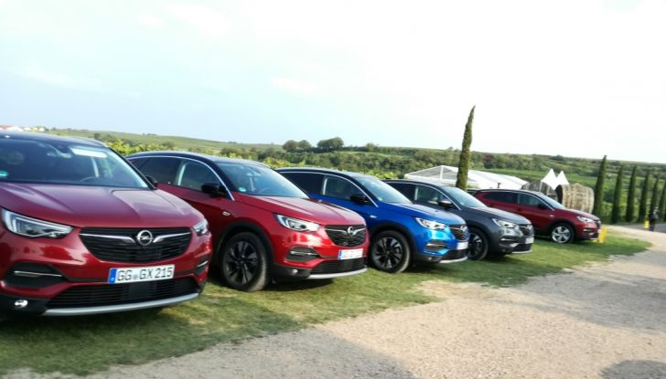 Opel Grandland X: test drive, caratteristiche e prezzi del crossover polivalente - Foto 5 di 25