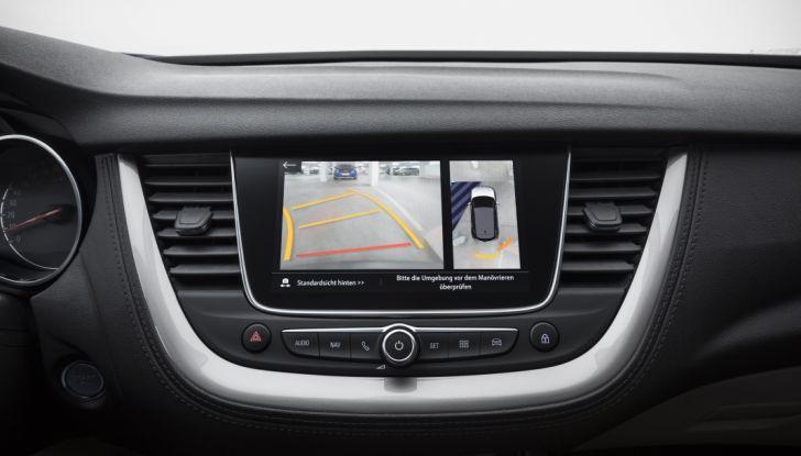 Opel Grandland X: test drive, caratteristiche e prezzi del crossover polivalente - Foto 10 di 25
