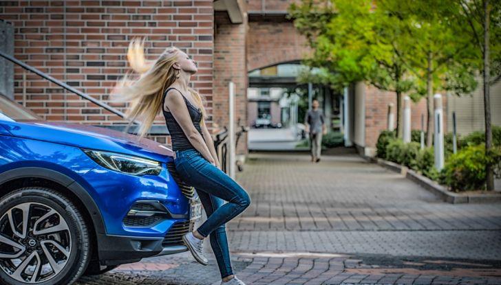 Opel Grandland X: test drive, caratteristiche e prezzi del crossover polivalente - Foto 3 di 25