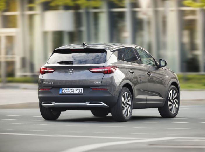 Opel Grandland X: test drive, caratteristiche e prezzi del crossover polivalente - Foto 16 di 25