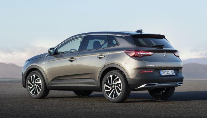 Opel Grandland X: test drive, caratteristiche e prezzi del crossover polivalente - Foto 17 di 25