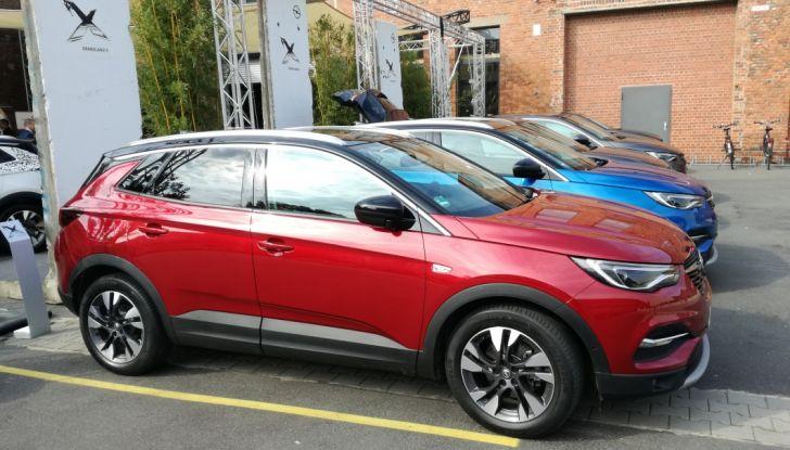 Opel Grandland X: test drive, caratteristiche e prezzi del crossover polivalente - Foto 21 di 25