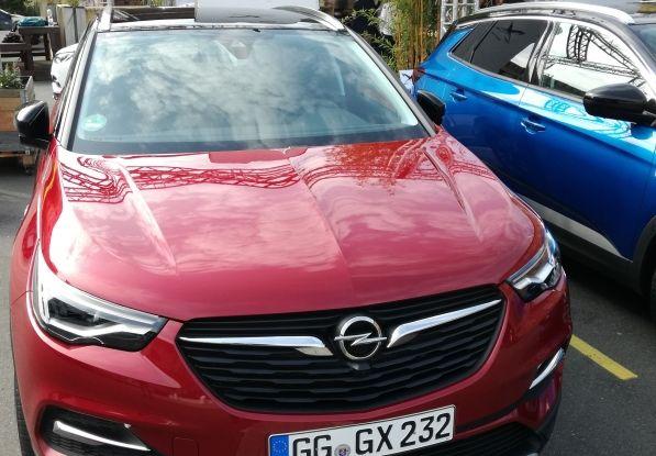 Opel Grandland X: test drive, caratteristiche e prezzi del crossover polivalente - Foto 22 di 25
